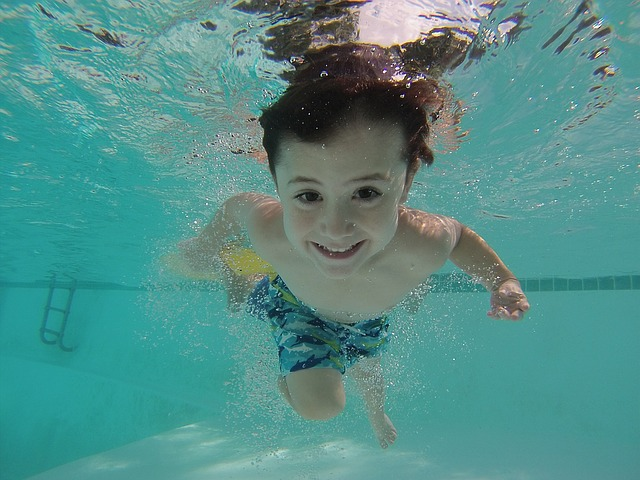 potápějící se dítě.jpg