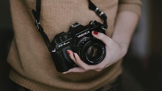žena fotoaparát záľuba.jpg