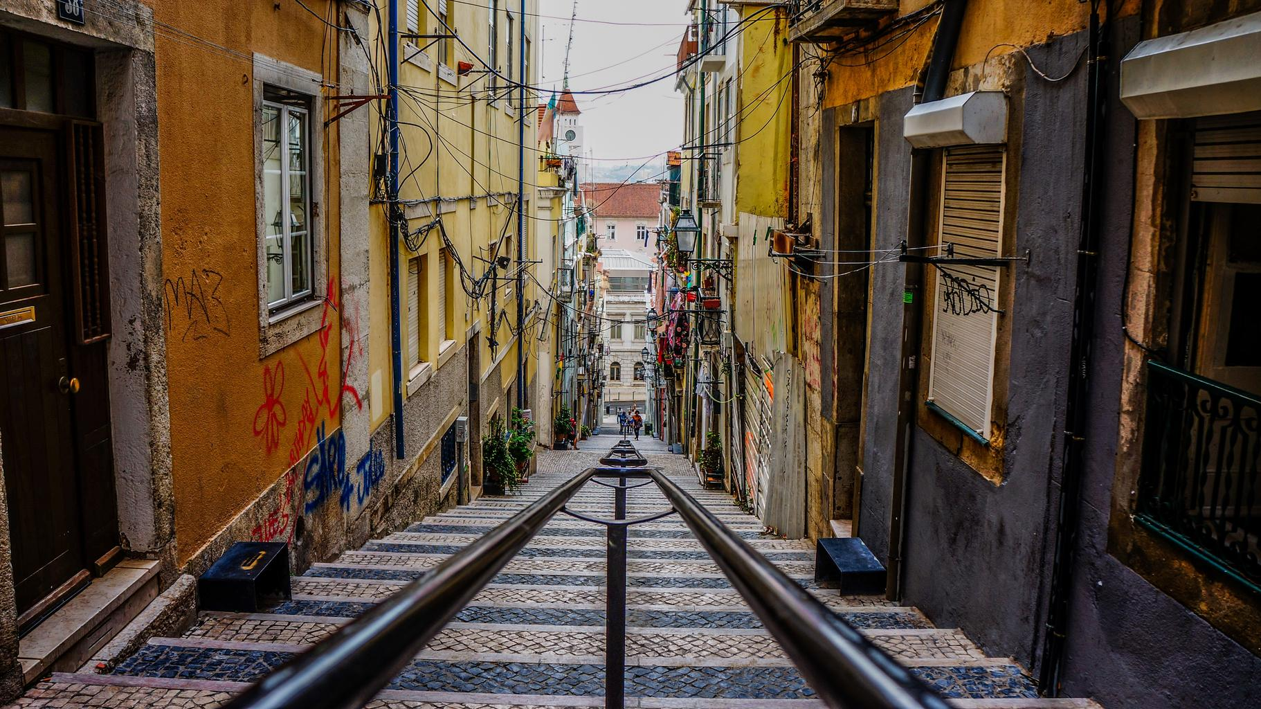 ulica, zábradlie